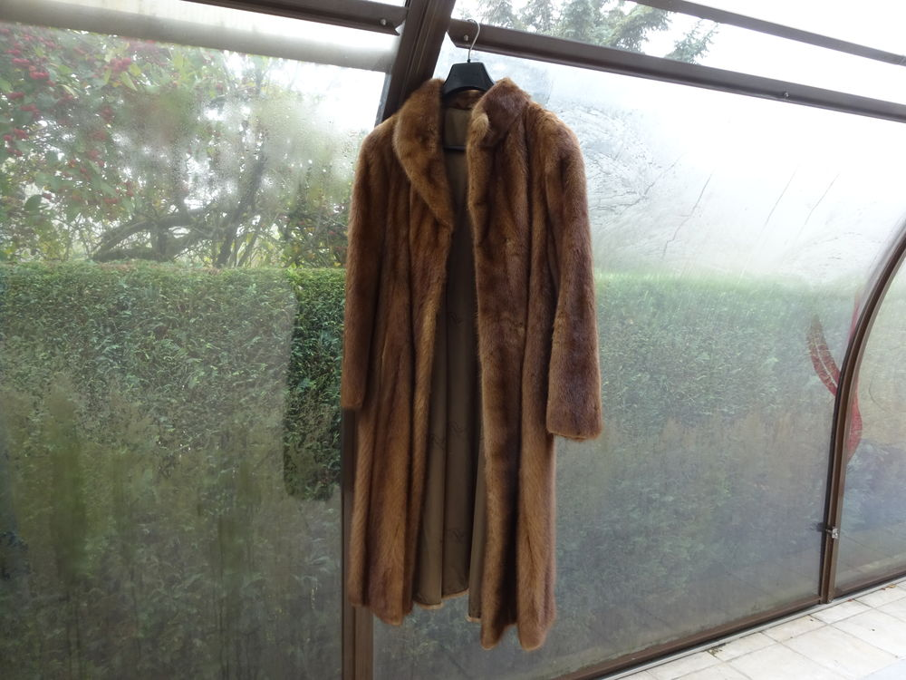 Manteau en vison   femme -  taille 40/42 -M/L 250 Saint-Julien-en-Genevois (74)