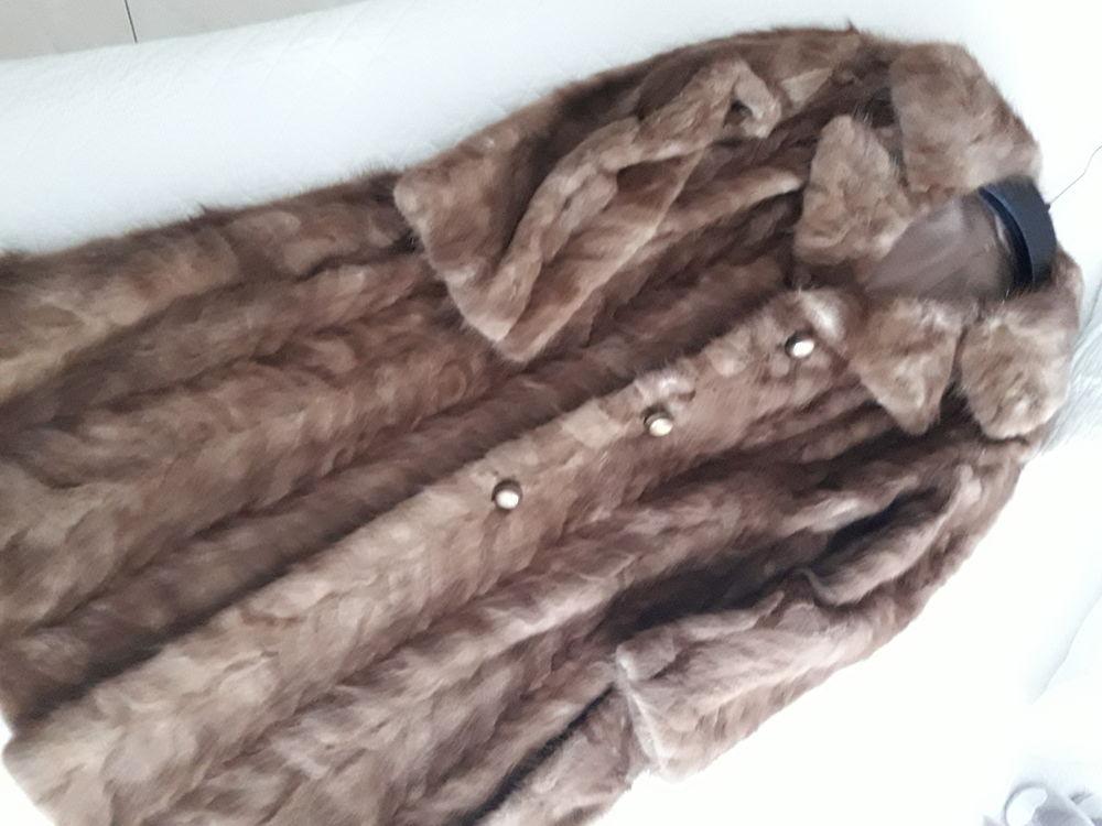 Manteau en vison véritable 300 Nice (06)