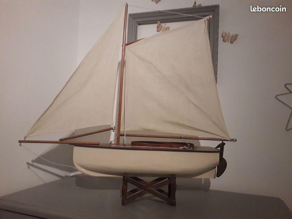 maquette voilier 25 Lyon 1 (69)