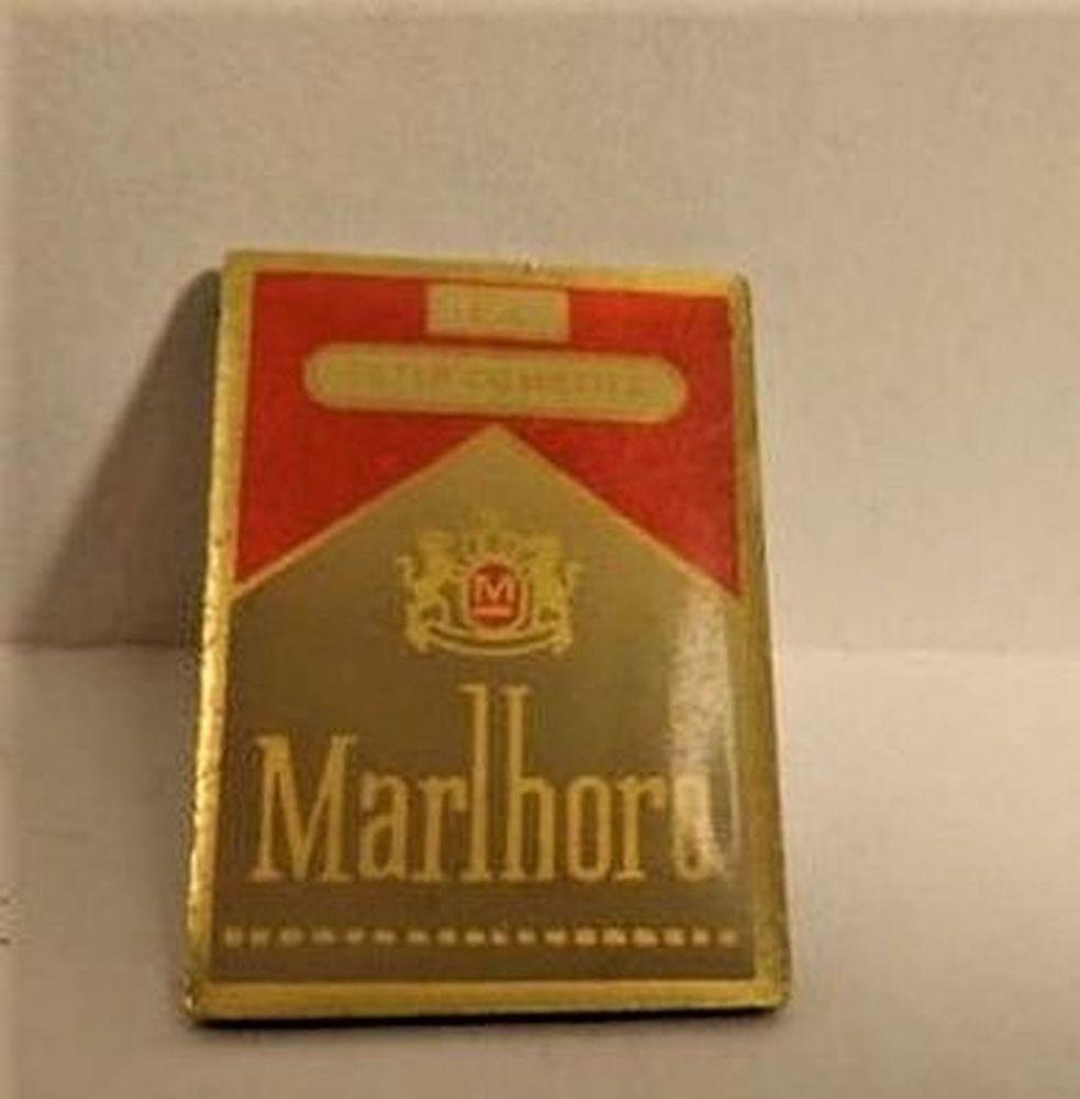 pin's Marlboro de collection 4 La Seyne-sur-Mer (83)