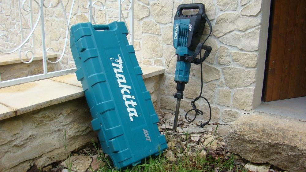 marteau piqueur électrique 1500 W  Makita 800 Trespoux-Rassiels (46)