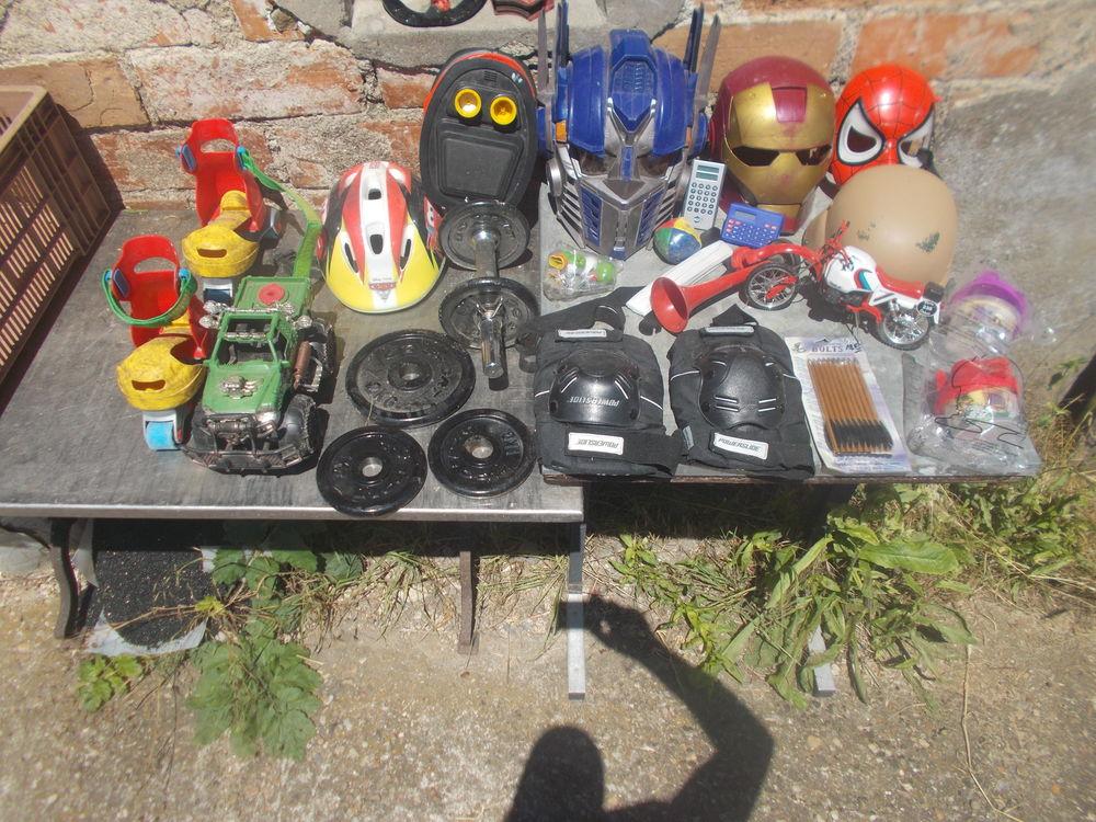 lot  de masque divers faire prix  98 Saran (45)
