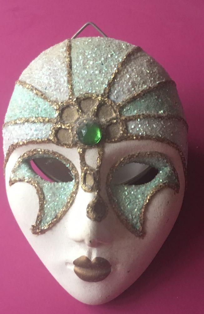 Masque de femme deVenise 15 La Garenne-Colombes (92)