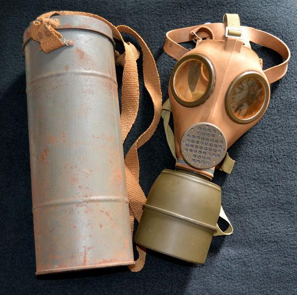 Masque à gaz militaire 100 Marseille 16 (13)