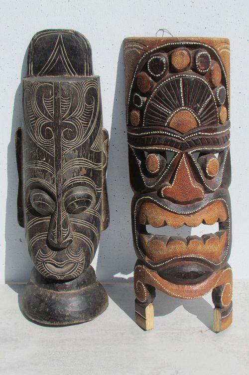 2 masques en bois typés africains 35 Albi (81)