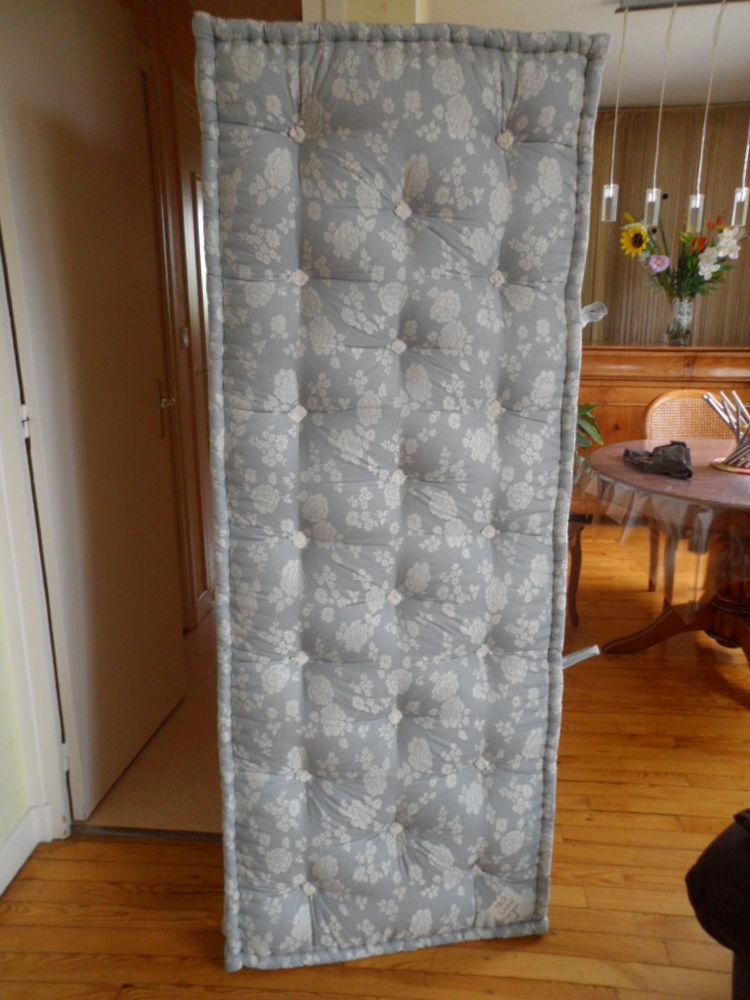 achetez 2 matelas 70x190 2 neuf revente cadeau annonce. Black Bedroom Furniture Sets. Home Design Ideas