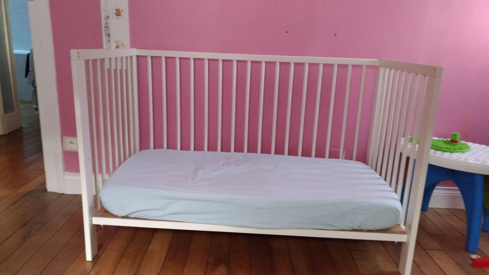 lits b b occasion dans la marne 51 annonces achat et vente de lits b b paruvendu mondebarras. Black Bedroom Furniture Sets. Home Design Ideas
