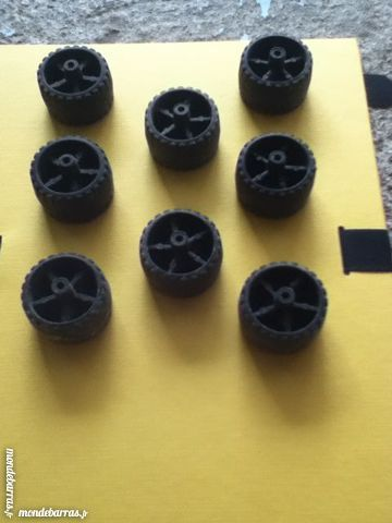 Meccano , lot de 8 roues n°331n 4 Montereau-Fault-Yonne (77)