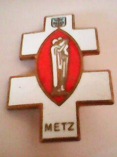 Médaille Broche Insigne Pélerinage de Lourdes 10 Éloyes (88)