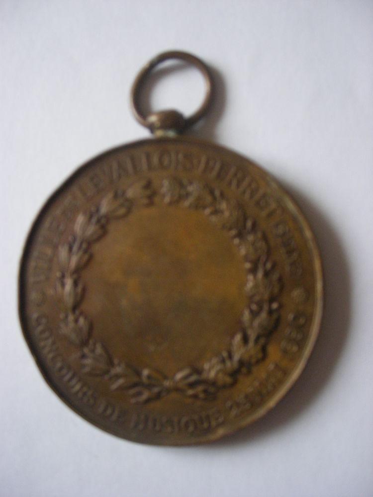 Médaille bronze  datée  du 25 mai 1890 28 Saint-Jean (31)