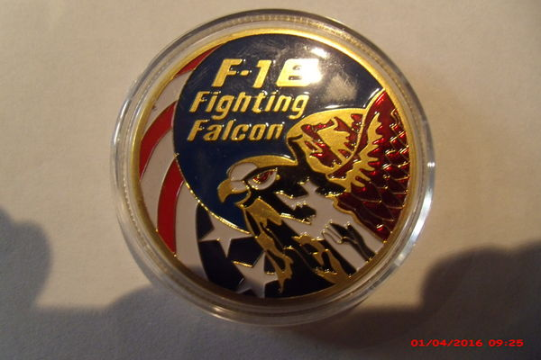 Médaille collection F16 Fighting Falcon air force 10 Le Luc (83)