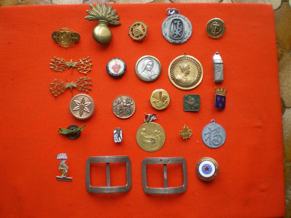 Médaille et insignes divers. 35 Caen (14)