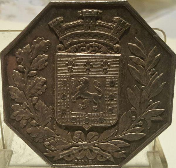 Médaille ou jeton de table assurance incendie argent  1860 30 Saint-Pouange (10)