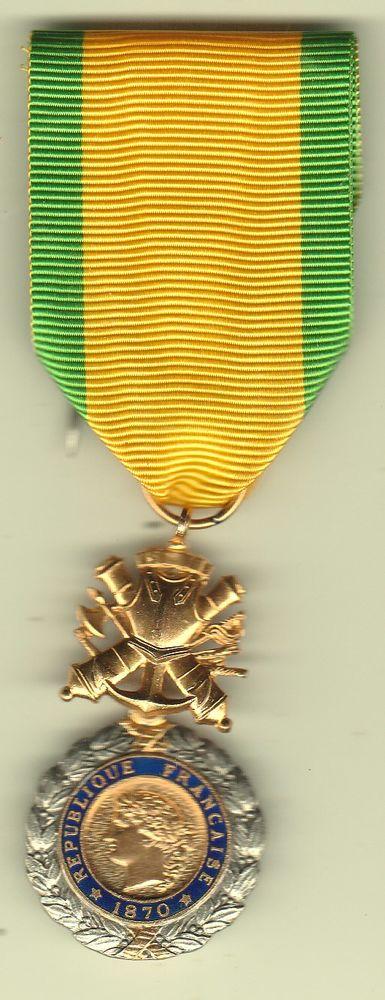 Médaille Militaire 1870 - 6° modèle a anneau - en Argent 30 Doullens (80)