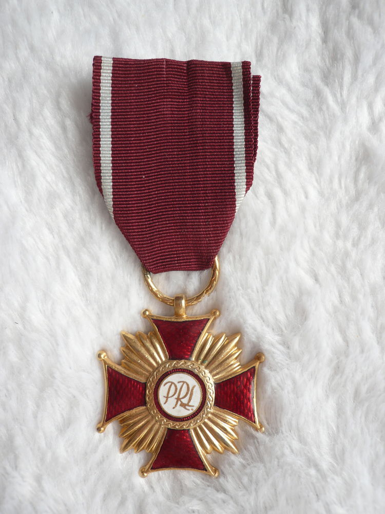 Médaille POLOGNE Croix du mérite rare ( repro ) 15 Le Poiré-sur-Vie (85)