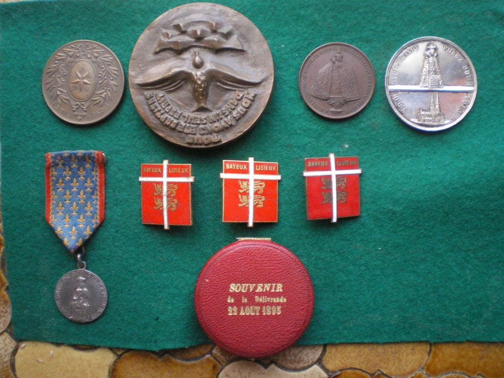 Médailles de Notre-Dame de la Délivrande et divers. 30 Caen (14)