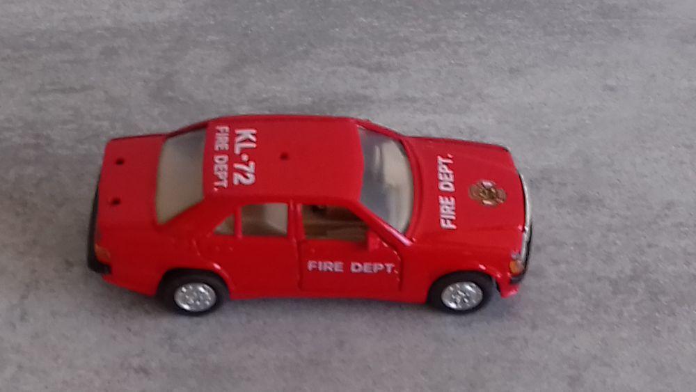 Mercedes Benz 190E 1/40e 10 Grenoble (38)