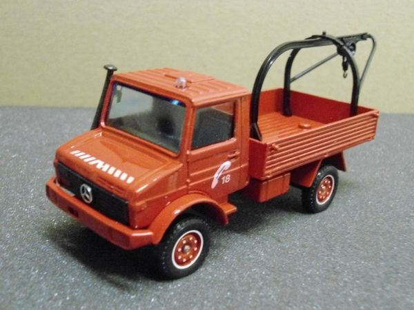 Mercedes Unimog dépannage pompier - Solido 16 Follainville-Dennemont (78)