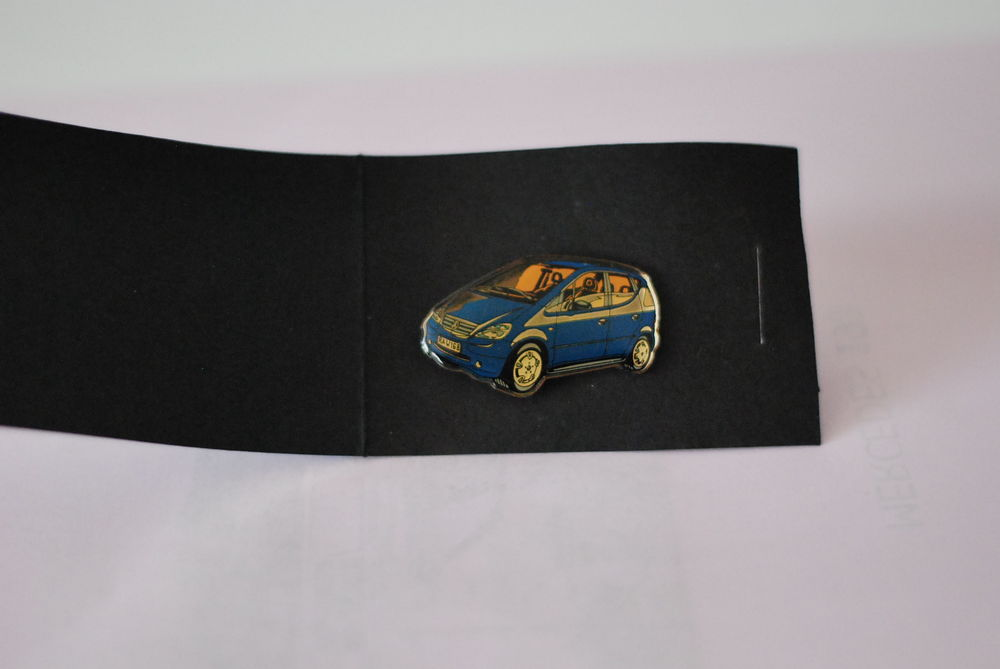 pin's mercedes 3 Bauvin (59)