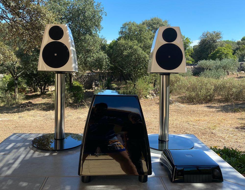 Meridian Audio - Ensemble Home Cinema 8500 Caveirac (30)