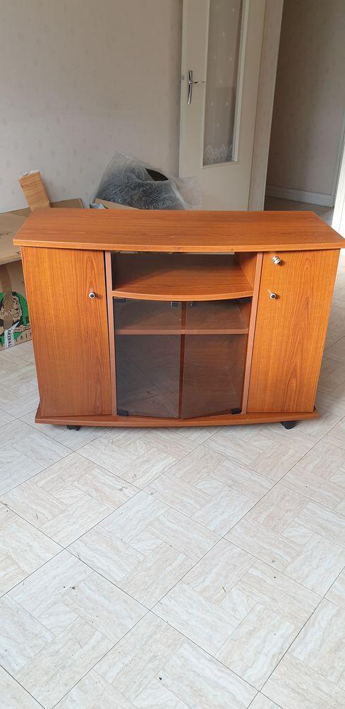 meuble TV 2portes vitrées 2 portes pleines dont une ave 25 Maisons-Alfort (94)