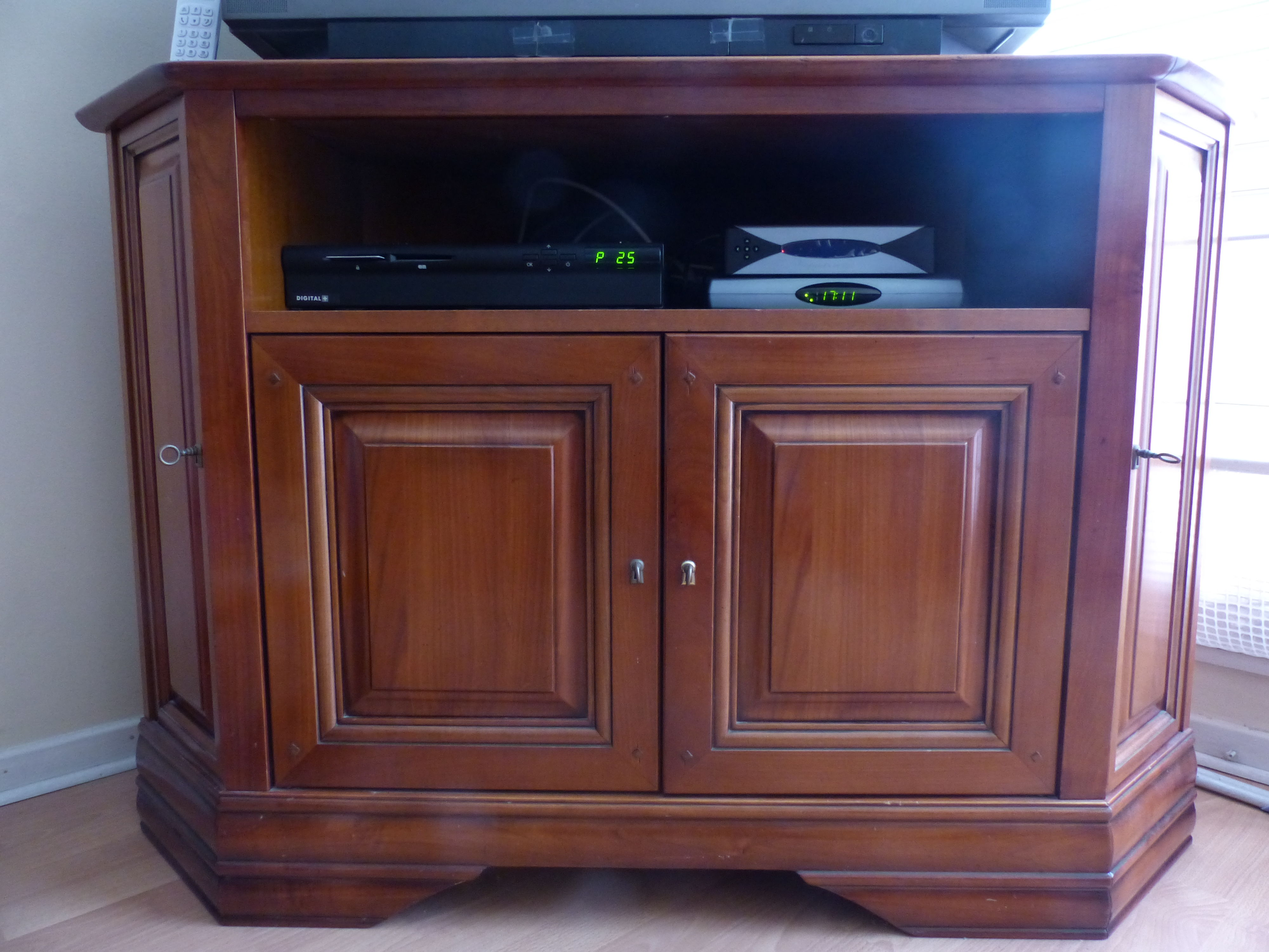 Meuble Tv Angle Bas meuble tv bas d'angle en merisier massif