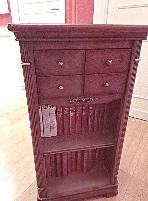 Meuble d'appoint en bois  + son encyclopédie LAROUSSE 22 VOL 50 Béthune (62)