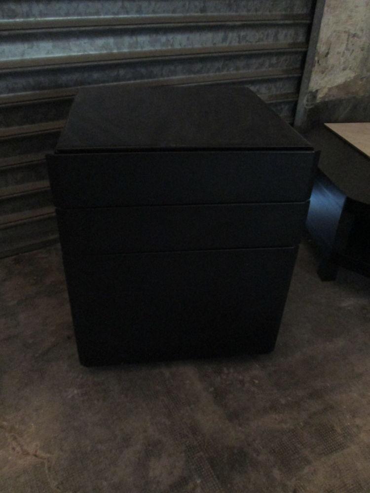 Meuble de bureau type caisson à tiroirs en skai à roulettes 50 Herblay (95)