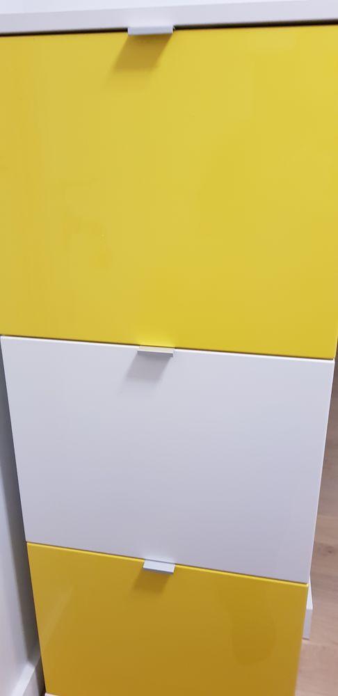 Meuble à chaussures jaune et blanc, capacité :12 paires 80 Paris 18 (75)