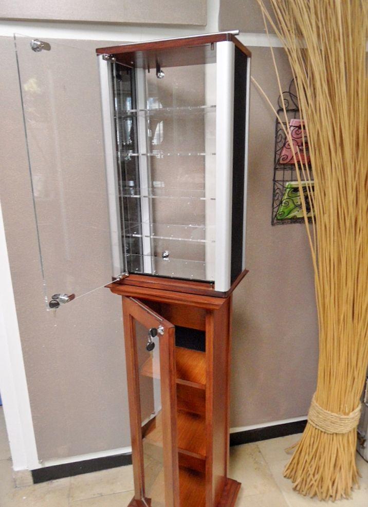 vitrine bijouterie vitrine bijouterie d occasion. Black Bedroom Furniture Sets. Home Design Ideas