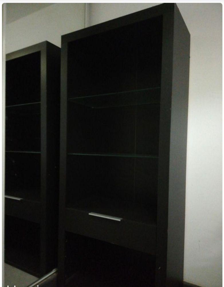 Meuble de couleur noire en bois  0 Sainte-Clotilde (97)