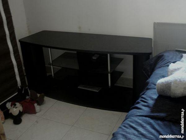mon debarras cavillargues 30 annonces achat vente d 39 occasion sur paruvendu mondebarras. Black Bedroom Furniture Sets. Home Design Ideas