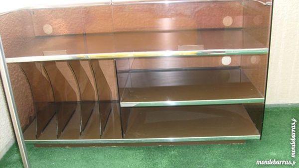 meubles vintage occasion annonces achat et vente de meubles vintage paruvendu mondebarras. Black Bedroom Furniture Sets. Home Design Ideas