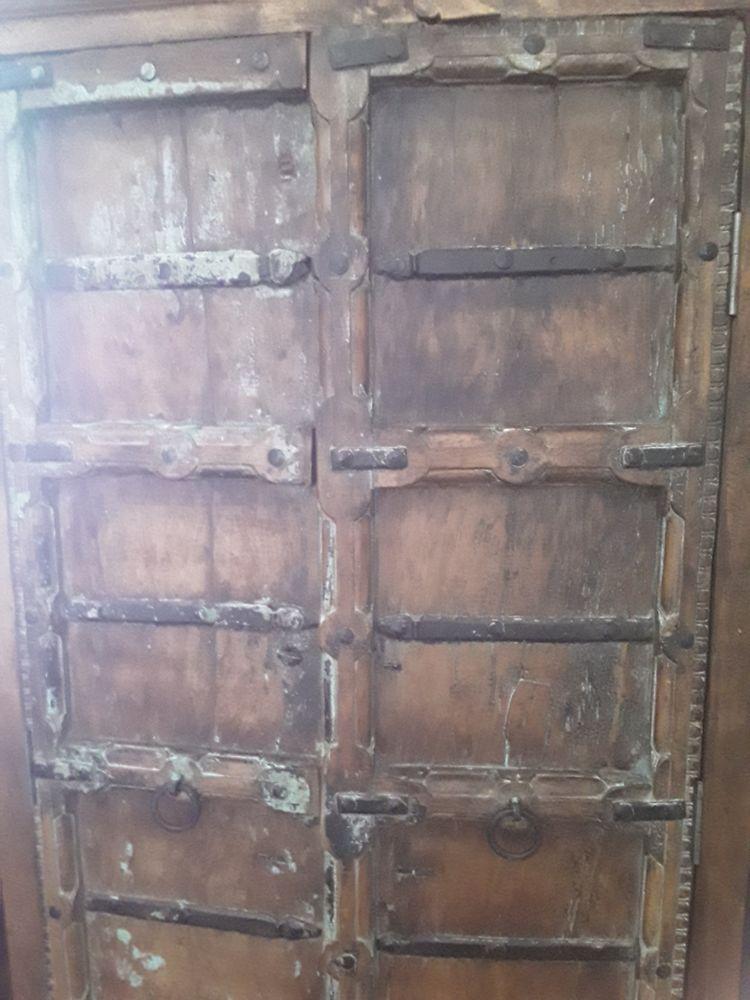 Meuble indien. Portes anciennes 0 Lorgues (83)