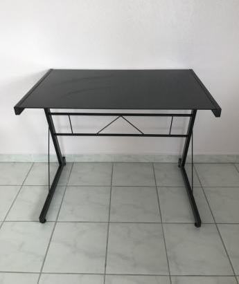 meuble informatique 20 Le Grau-du-Roi (30)