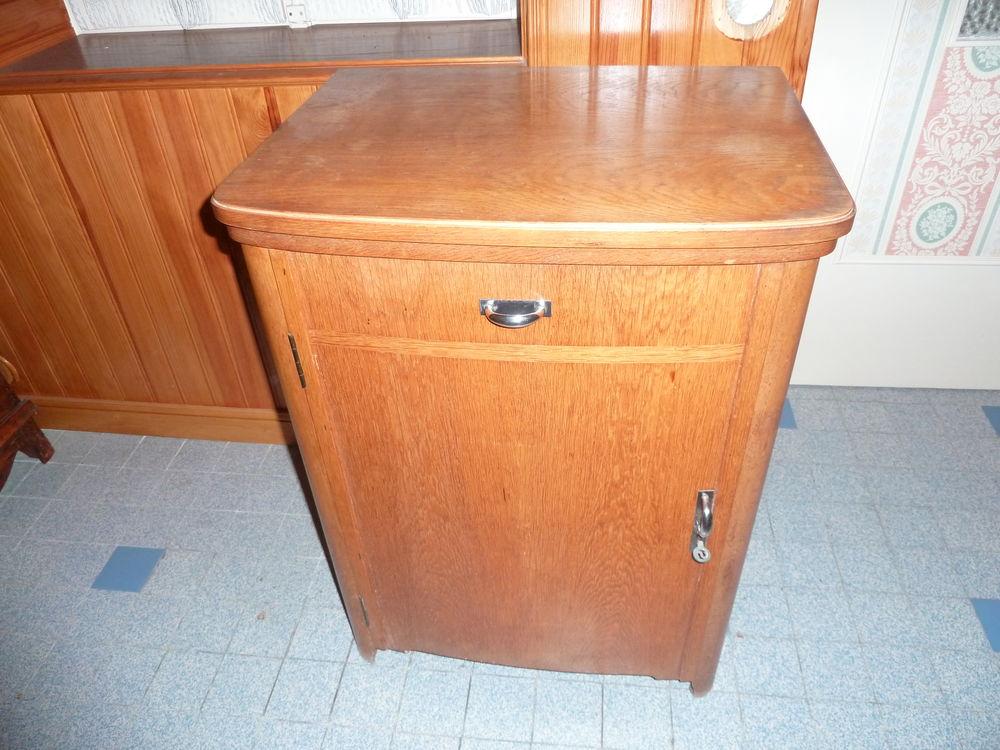 meubles machine coudre occasion annonces achat et vente de meubles machine coudre. Black Bedroom Furniture Sets. Home Design Ideas