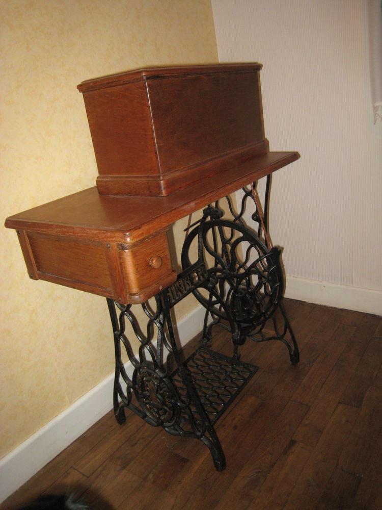 meuble machine à coudre SINGER 80 Saint-Germain-du-Salembre (24)
