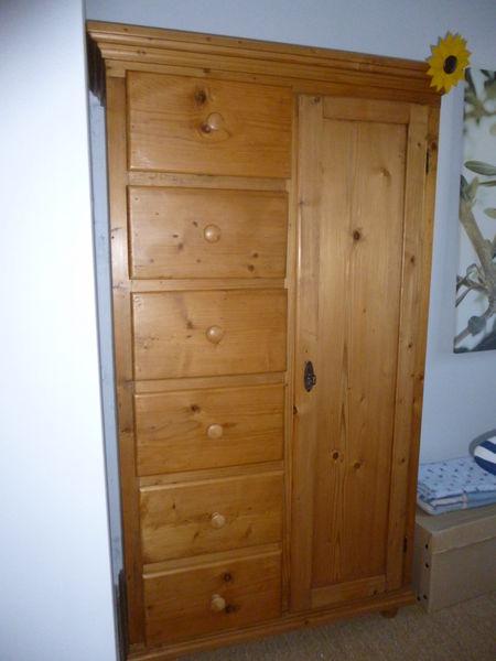 Achetez meuble massif pin occasion annonce vente  Cheray 17