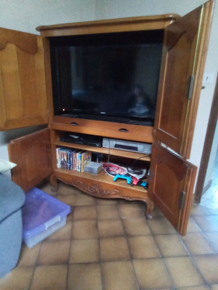 Meuble TV en merisier massif 50 Saint-Maurice-lès-Charencey (61)