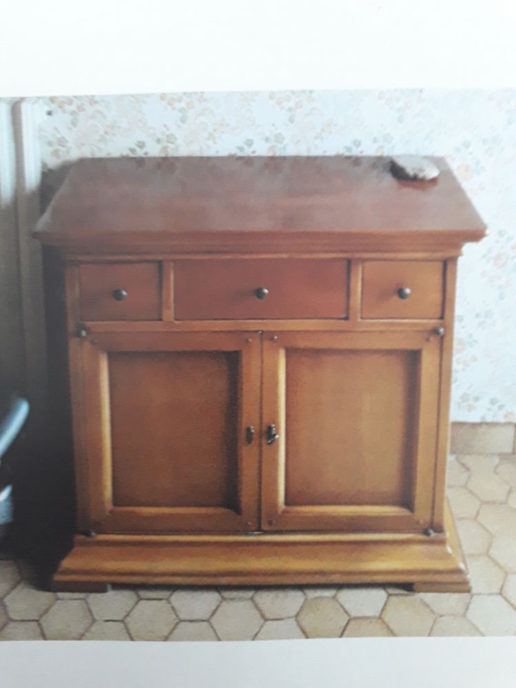 meuble merisier 3 tiroirs de portes excellent état 250 Conquereuil (44)