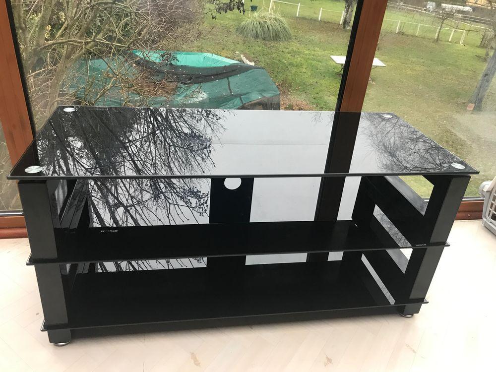 Meuble TV noir, verre et métal 50 Saint-Geoire-en-Valdaine (38)