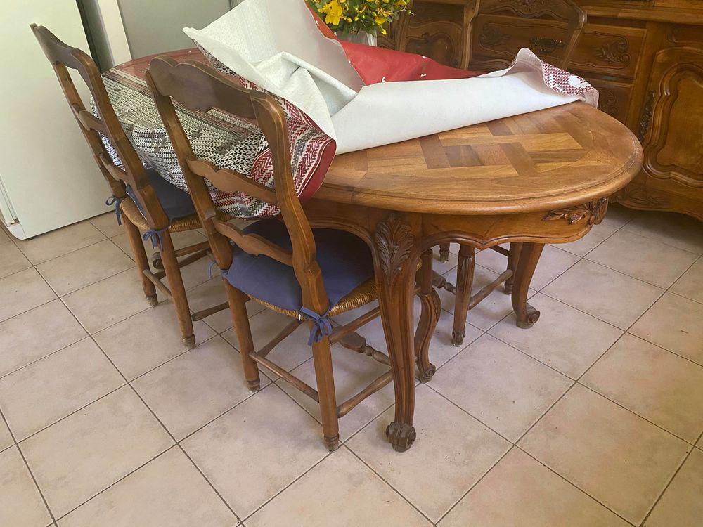 Meuble en noyer avec table et chaises 0 La Celle (83)