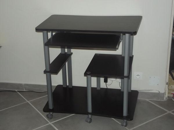 Meubles occasion le pradet 83 annonces achat et vente for Meuble console ordinateur