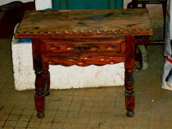Meuble original en bois table de chevet tabouret 1 tiroir 35 Monflanquin (47)