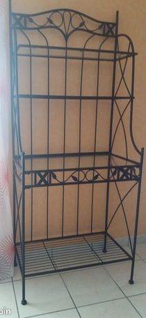 meuble en fer et plateaux verre 28 Neuville-de-Poitou (86)