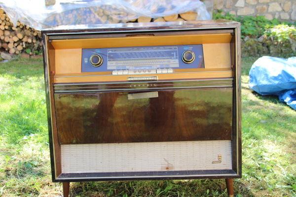 Achetez meuble radio occasion annonce vente bertignat for Meuble pour tourne disque