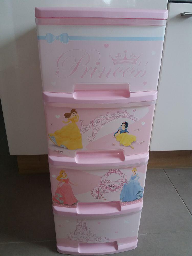 Meuble de rangement en plastique thème princesses 15 Wicres (59)