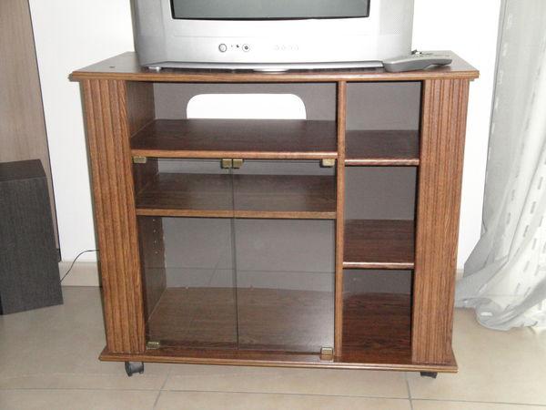 meuble tv sur roulettes meubles - Meuble Tv A Roulettes