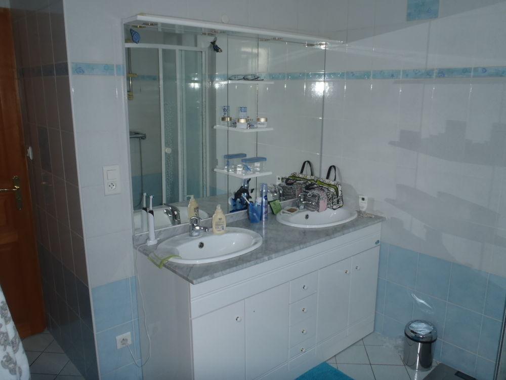 Meuble de Salle de Bain Blanc Brillant + Miroir 150 Thionville (57)