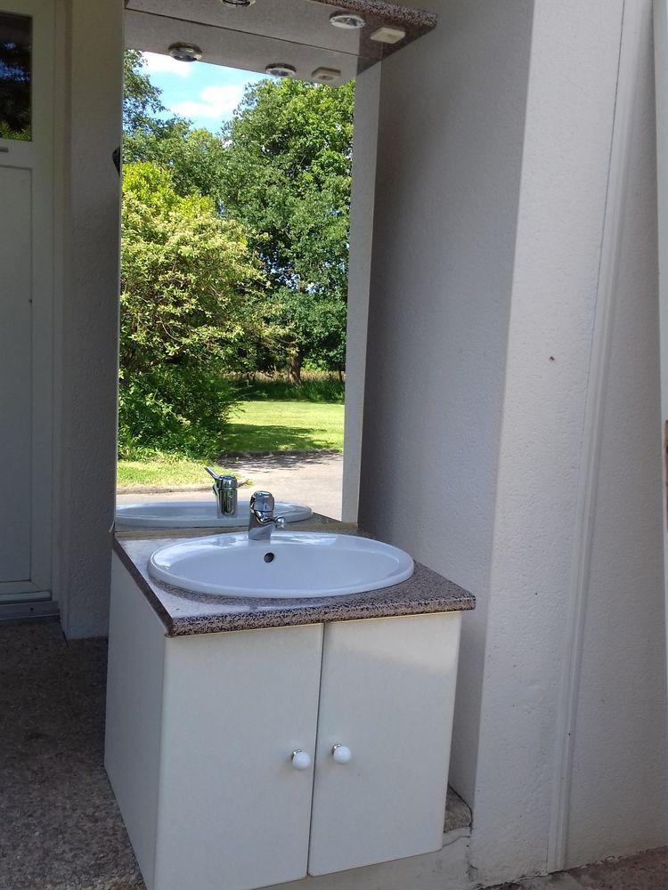 meuble salle de bain et son miroir 45 Pontchâteau (44)